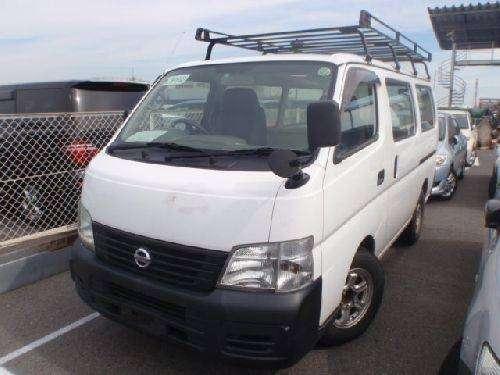 Vendo minibus nissan caravan