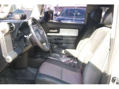Toyota FJ CRUISER $ US 6000 3
