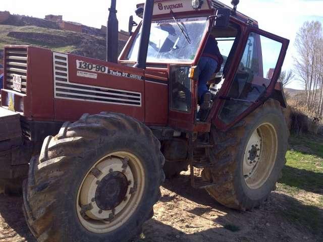 En venta tractor fiat 130 90 dt recien llegado con papeles al dia