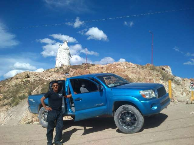 Vendo camioneta toyota tacoma americano en cercado camionetas 74871