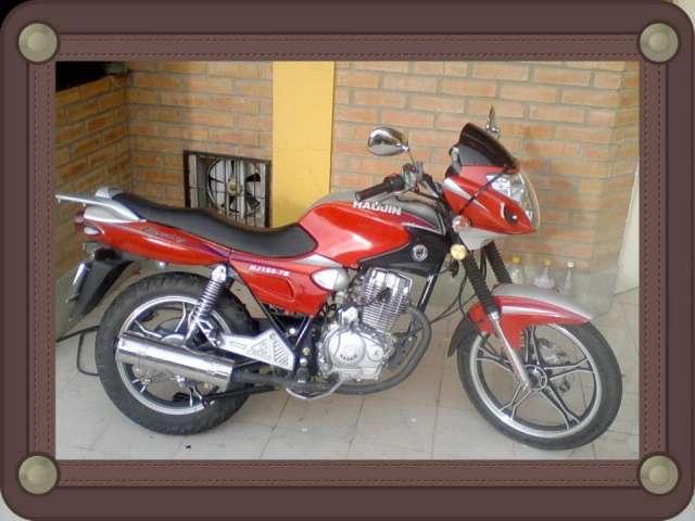 Vendo mi linda moto de color rojo combinado - La Paz, Bolivia ...