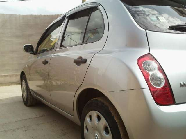 Fotos de Vendo nissan march modelo 2009 color plomo impecable 3