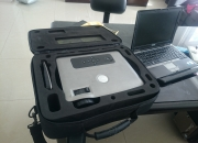 Laptop y proyector dell