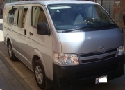 Vendo minibusToyota Regiusace 2012