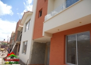 VENDO CASAS: Condominio Santa Lucia II  (Zona Puntiti) $us. 130,000