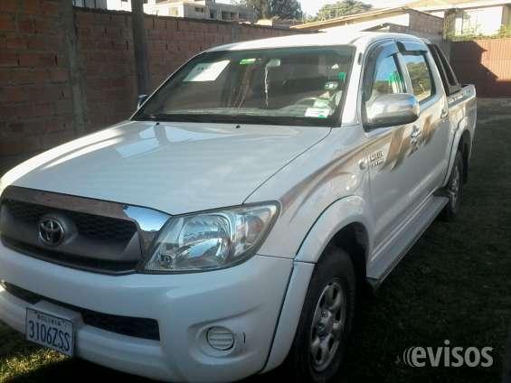 Compro camioneta toyota hilux 4x4 en bolivia