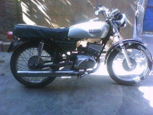Vendo moto yamaha 100 cc india