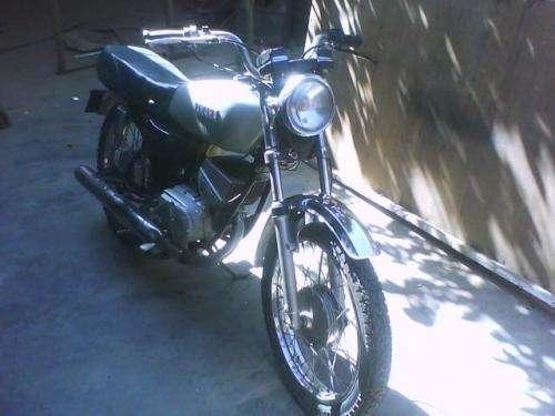 Fotos de Vendo moto yamaha 100 cc india 2