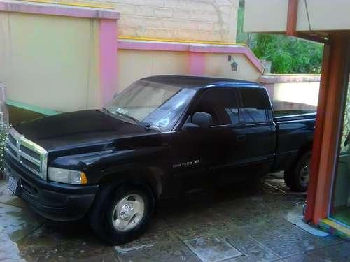 Vendo hermosa camioneta dodge ram 1500 modelo 2001, original