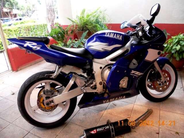 Fotos de Vendo moto yamaha modelo r6 año 2000 americana 1