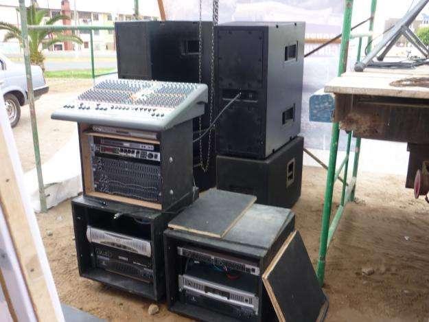 Digital sistema de sonido, escenario y juego de luces led