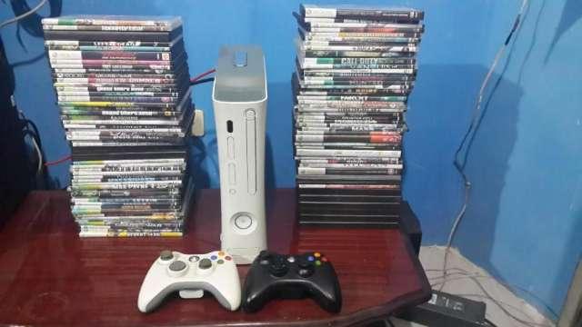 Xbox360 rgh disco duro de 500 gb 2 mandos