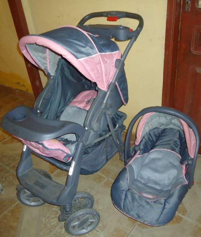 Vendo coche - porta bebé y andador