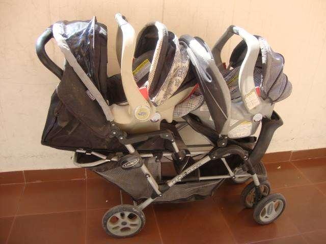 Carrito graco para gemelos o 2 niños con 2 cargadores