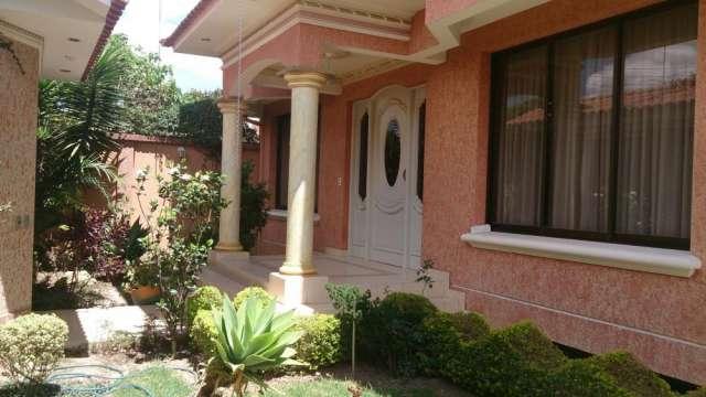 Hermosisima Casa En Venta O Anticretico Z Norte En Cochabamba