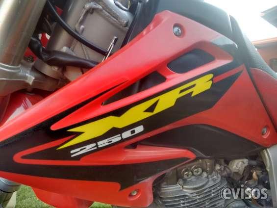 Vendo moto honda xr 250