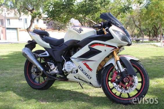 En venta moto marca ?? fenix 250cc ??
