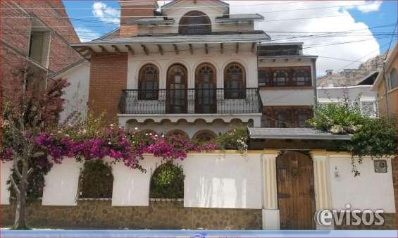 Casa estilo colonial en la paz