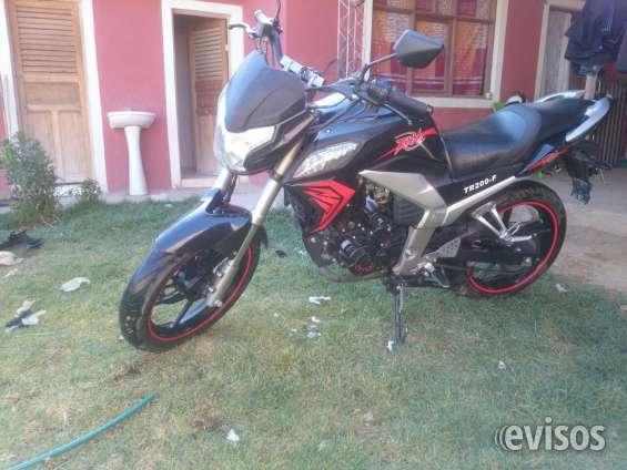 Linda moto trueno 200 cc en venta - 1400 dolares
