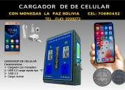 Cargador de celular con monedas