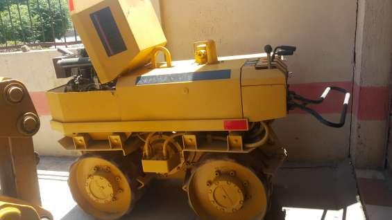 Vendo compactadora de 1.8 toneladas rammax
