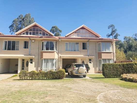 En venta hermosa casa en condominio
